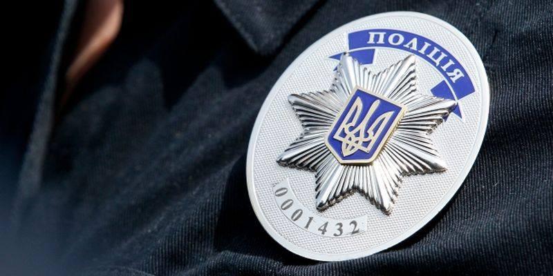 В Киеве полицейские задержали пассажира такси с гранатой