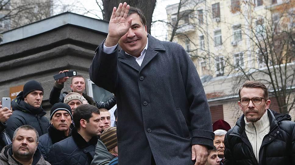 Саакашвили требует объяснений, почему ему не дают политического убежища