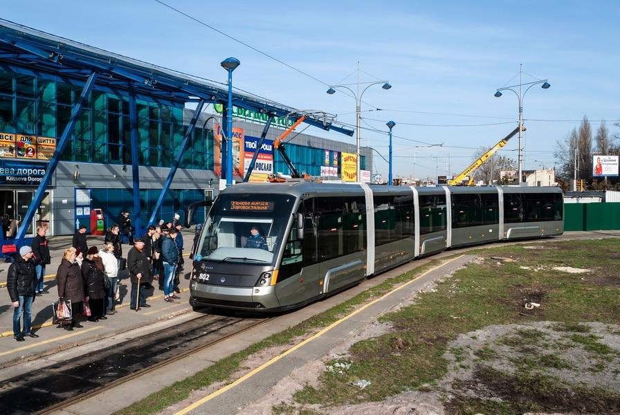 Киевпастранс тестирует оплату проезда с помощью PayPass в скоростном трамвае