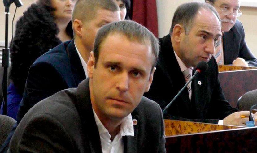 В Конотопе избили депутата горсовета из «Батькивщины»