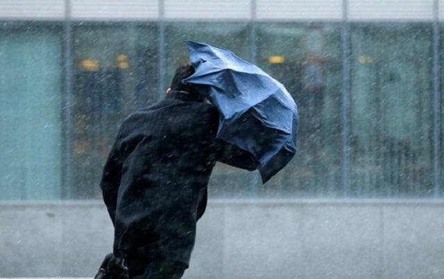 Украинцев предупредили о дождях, снеге и сильном ветре