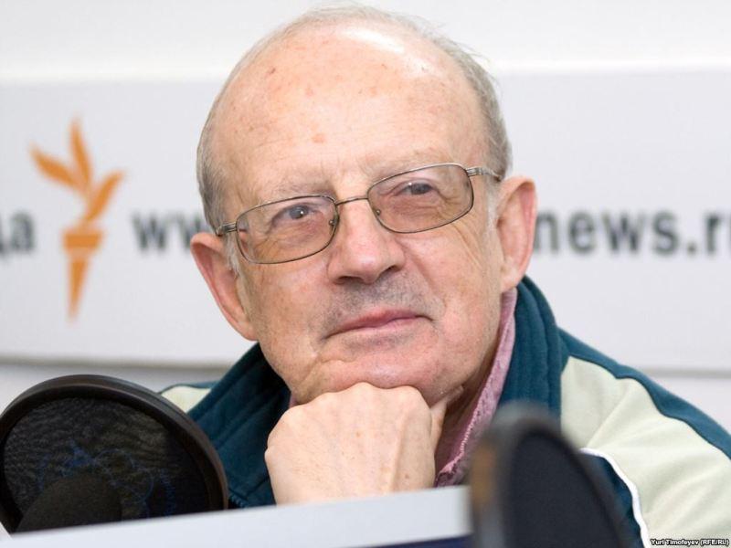Украинское руководство не успевает за жесткой линией США относительно России, — Пионтковский