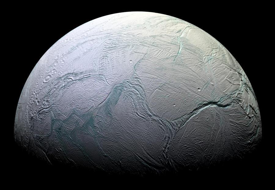 На спутнике Сатурна нашли источник жизни