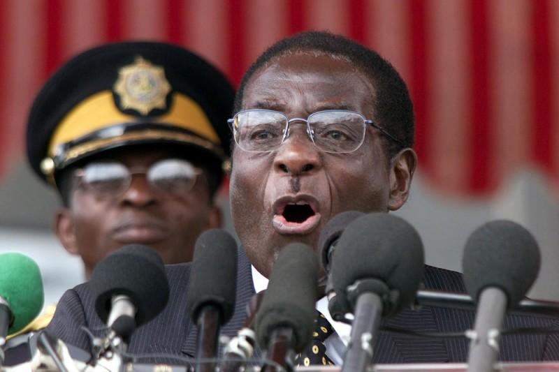 Reuters: К столице Зимбабве стягивают танки