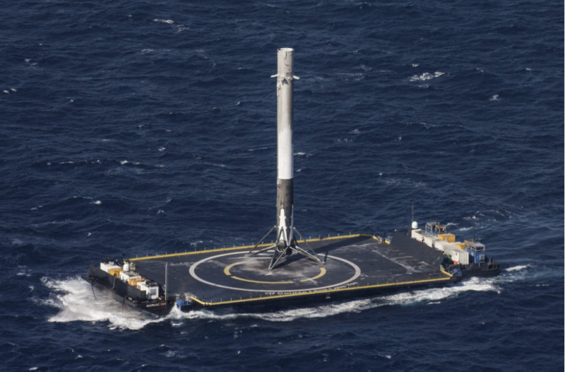 SpaceX расследует взрыв нового двигателя