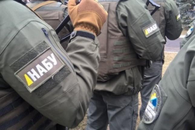 Свекровь Корчак закрыла у себя дома детектива НАБУ