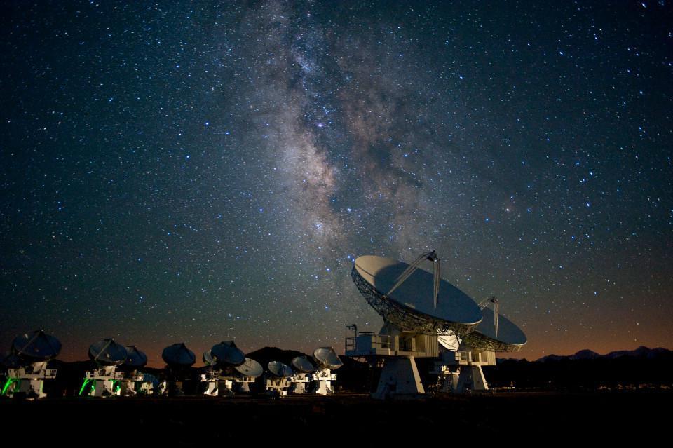 Астероид Оумуамуа проверят на присутствие инопланетян
