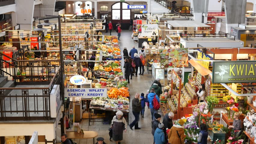 В Польше запретят торговлю в воскресенье