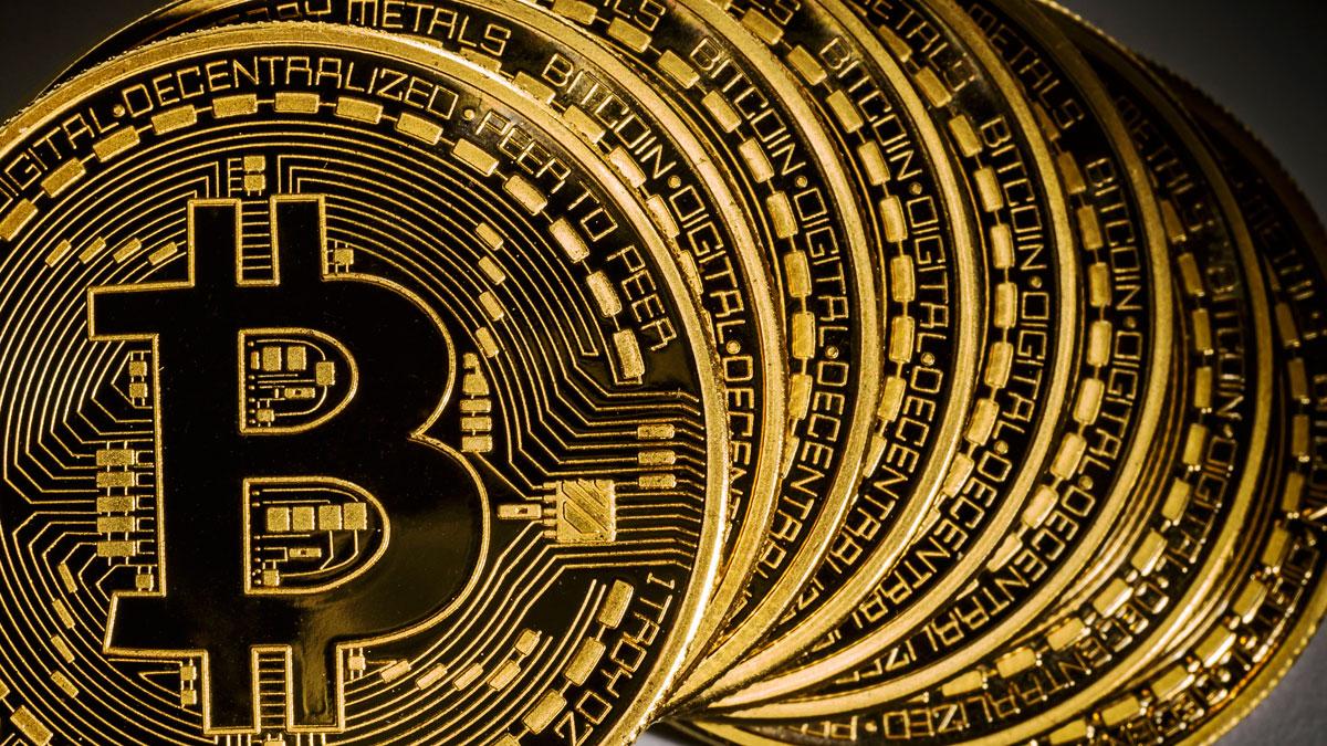 Bitcoin по объему денежной массы опередил российский рубль
