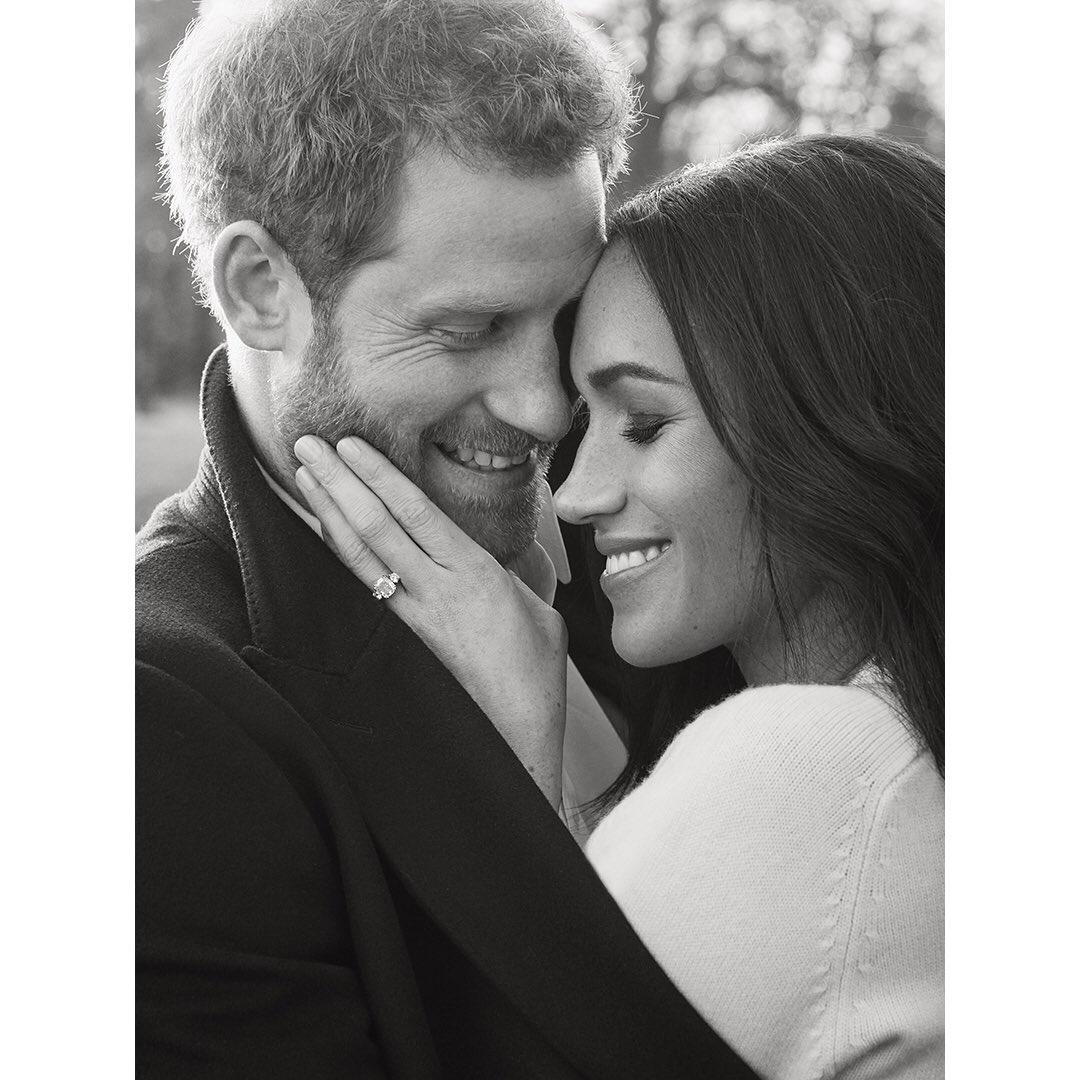 Опубликованы официальные фотографии помолвки принца Гарри и Меган Маркл
