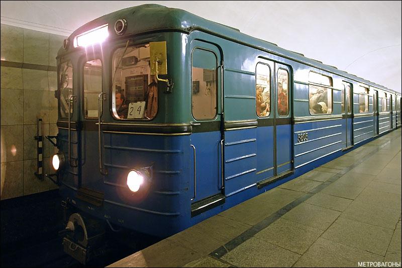 На «красной» ветке метро в Киеве сломался поезд