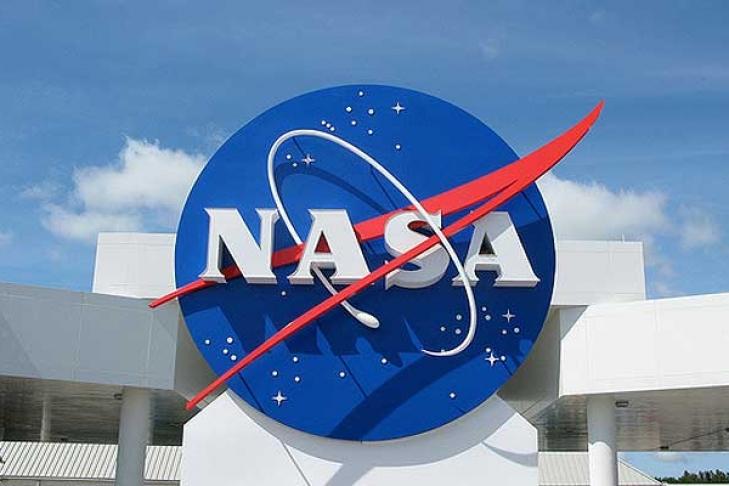 «Хаббл» измерил массу одного из крупнейших скоплений Вселенной, — NASA