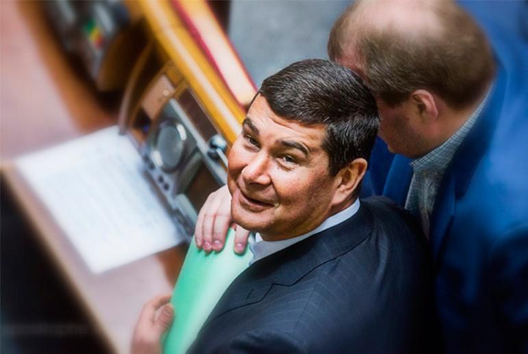 Al-Jazeera рассказала о схемах скупки активов Януковича тремя украинскими олигархами