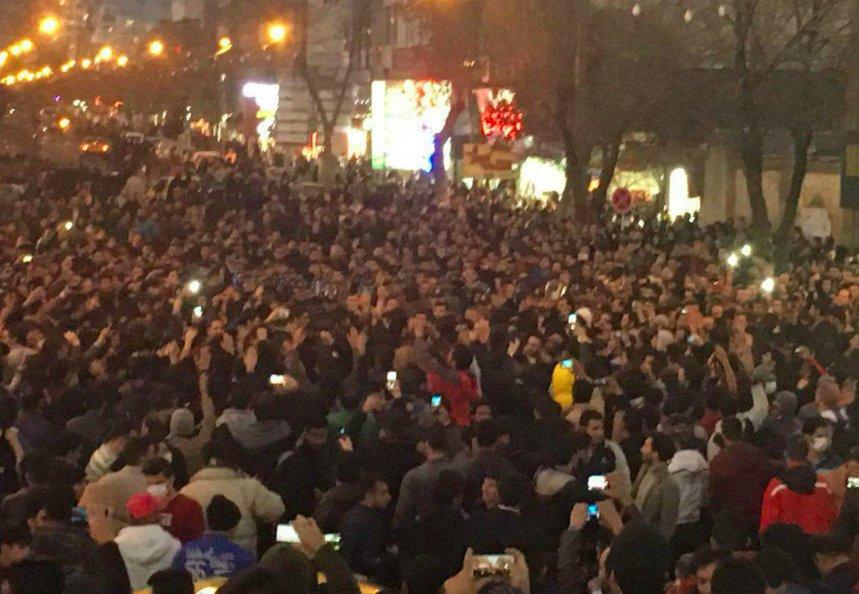 В Иране власти заблокировали Telegram и Instagram из-за мощных протестов