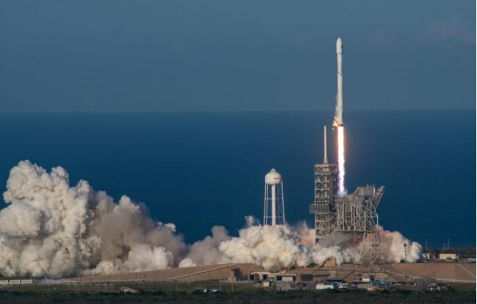 SpaceX успешно запустила ракету Falcon 9 с секретным спутником Zuma
