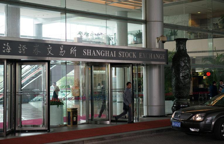 Японский и китайский фондовые рынки рухнули вслед за США
