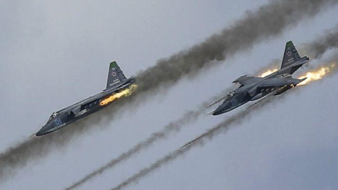 Повстанцы выложили видео обломков сбитого российского штурмовика Су-25 в Сирии