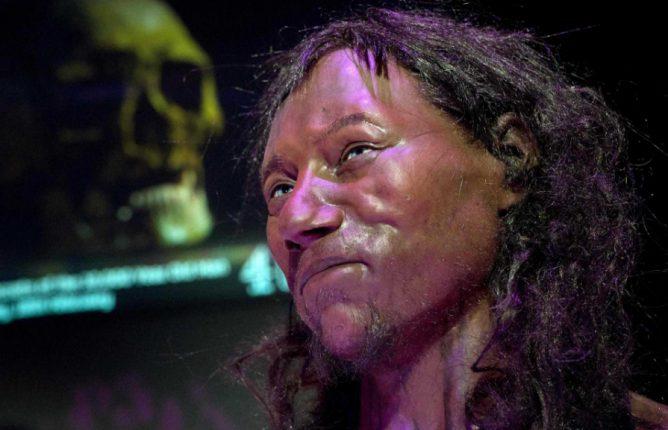Ученые показали, как выглядел древнейший «британец»