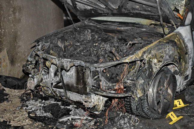 В Киеве неизвестные сожгли Lexus адвоката Насирова и Кучмы