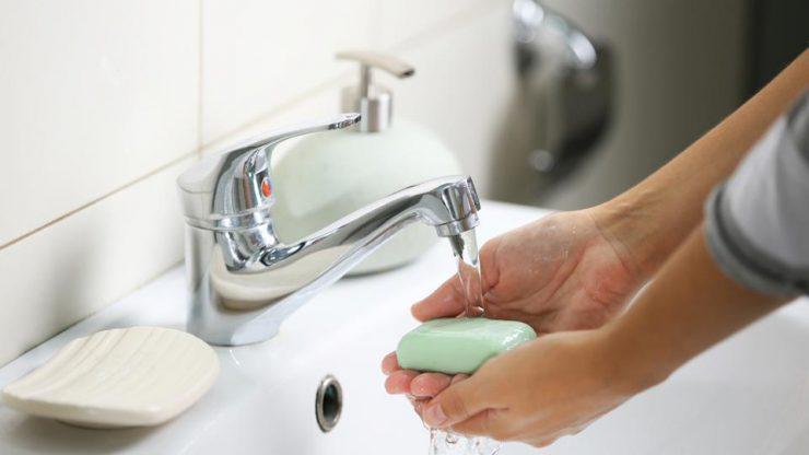Шампуни и мыло оказались не менее опасными для экологии, чем автомобили