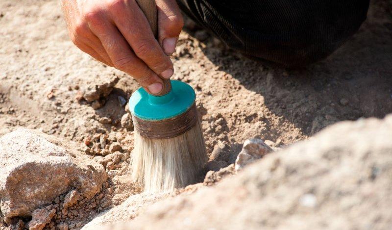 В Египте ученые нашли древний храм с фрагментами памятников