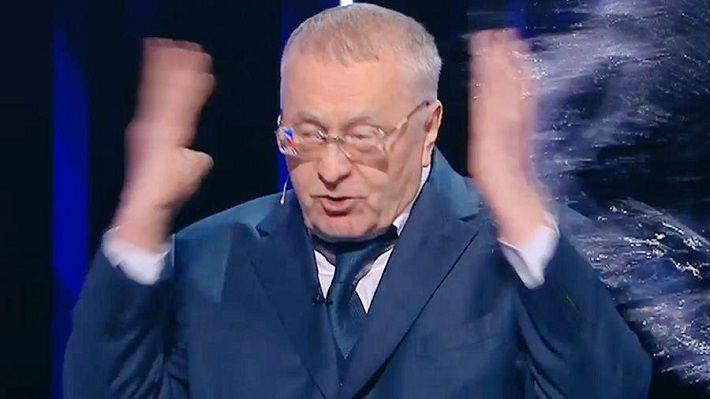 Собчак плеснула водой в Жириновского после его оскорблений