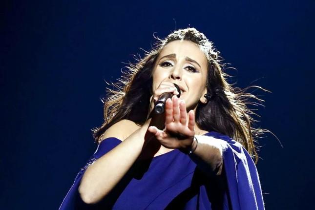 Известная украинская певица родила сына