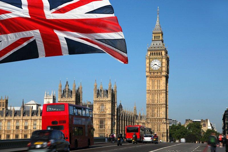 Британия готовится объявить о высылке российских дипломатов — Sky News