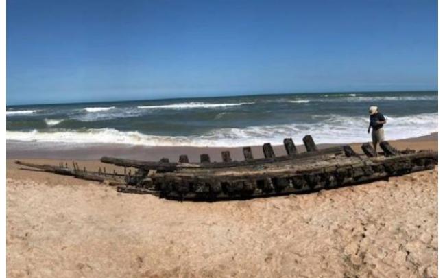 На американский берег выбросило корабль XVIII века