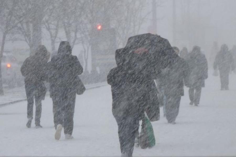Украину покидает циклон, который принес снег и морозы