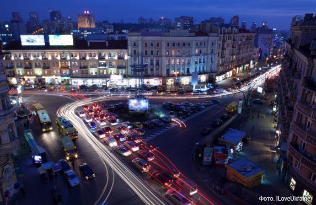 Все по-старому: киевляне незахотели переименовывать площадь Льва Толстого