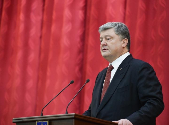 Порошенко: Украина в ближайшее время обеспечит себя собственным газом