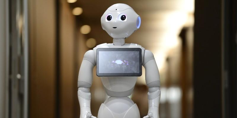 Какие навыки понадобятся людям в будущем, чтобы конкурировать с роботами на рынке труда
