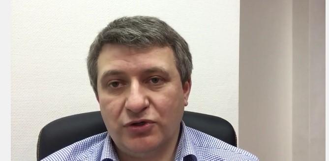 Самонадеянность Порошенко — это проблема для Украины, — Романенко