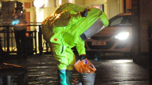 В Великобритании госпитализировали полицейских, занимавшихся отравлением экс-разведчика Скрипаля