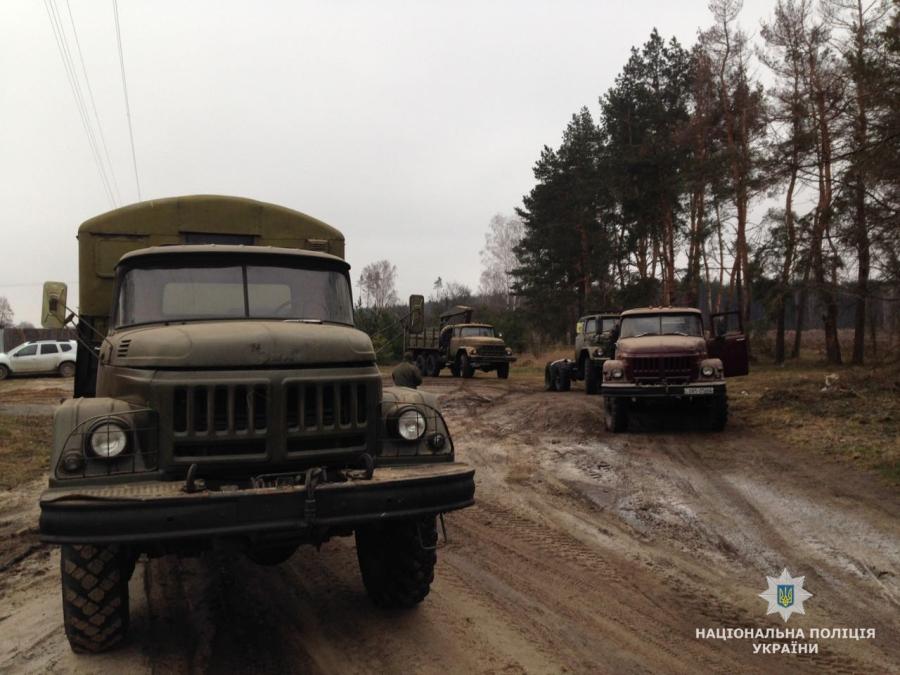Полиция выявила подпольную распродажу военной техники