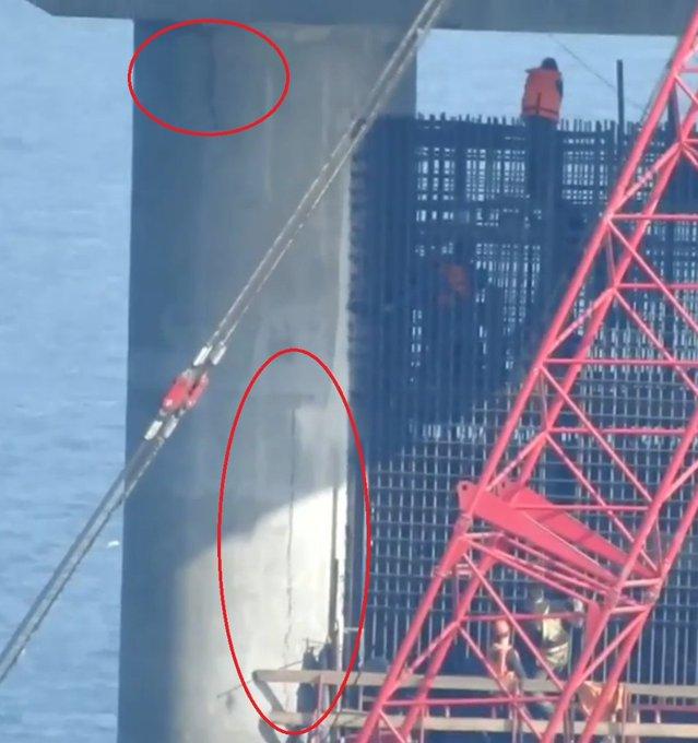 Треснула опора Крымского моста, который строят оккупанты в Керченском проливе