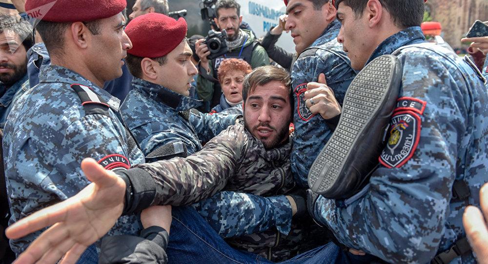 Протесты в Армении: «бархатная» революция или хаос без цели?