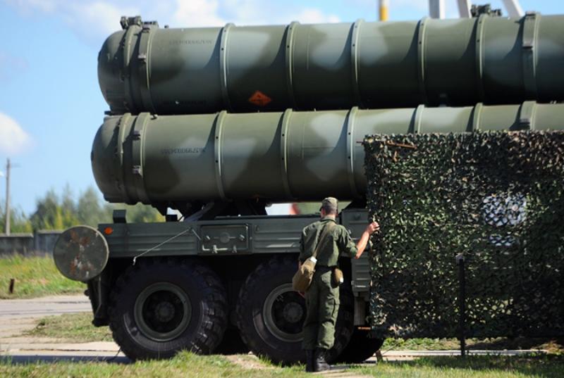 США пригрозили Турции санкциями из-за планов покупки российских С-400