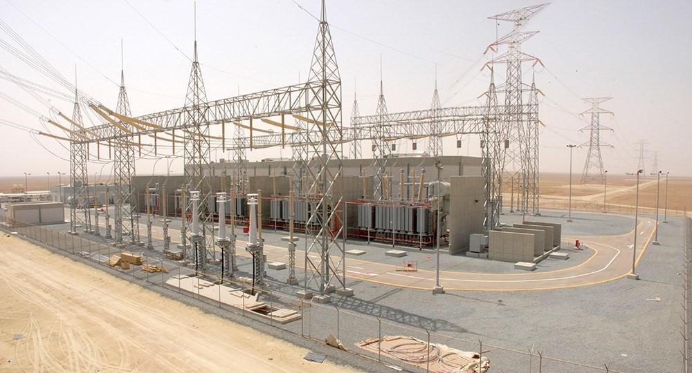 В ОАЭ строят гигантскую солнечную электростанцию