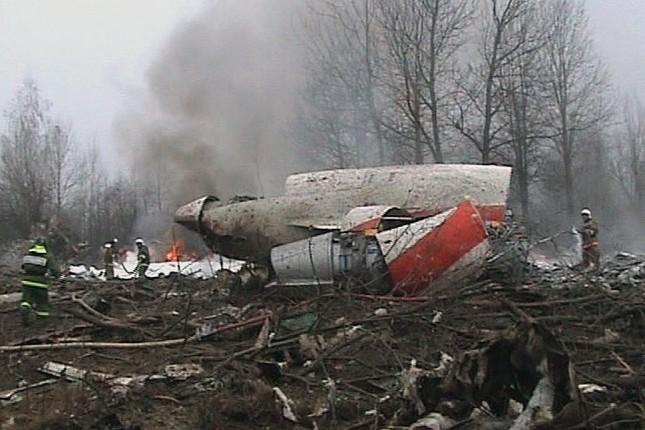 Самолет Качиньского уничтожили два взрыва, — отчет