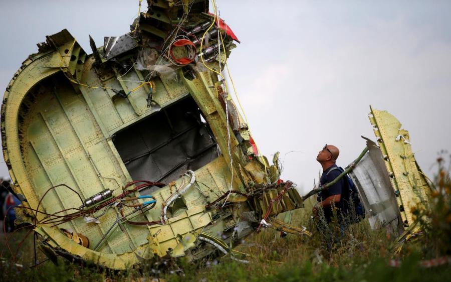 Россия не будет «безропотно принимать» обвинения в крушении МН17 – посол РФ
