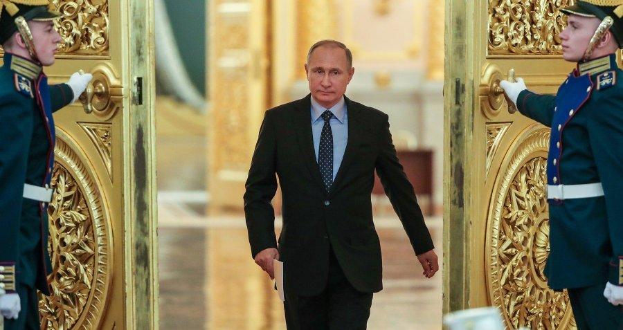 В России захотели изменить конституцию ради Путина