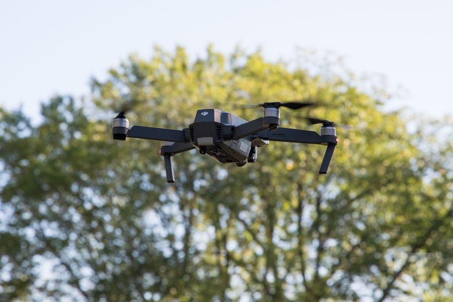 Владельцы дронов должны будут получать летные права