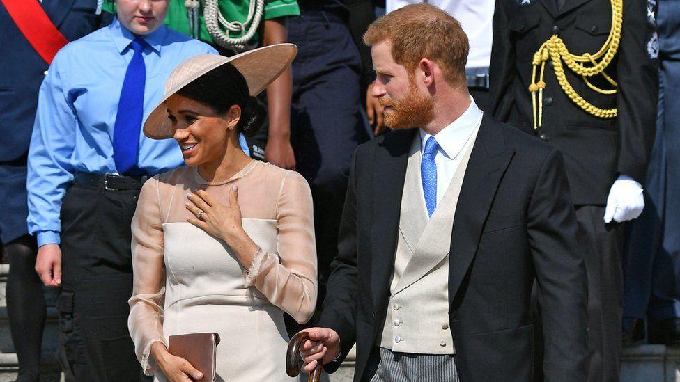 Принц Гарри и Меган впервые вышли в свет после свадьбы
