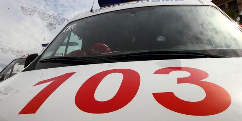 В черкасской школе дети на линейке массово потеряли сознание, 20 детей в реанимации