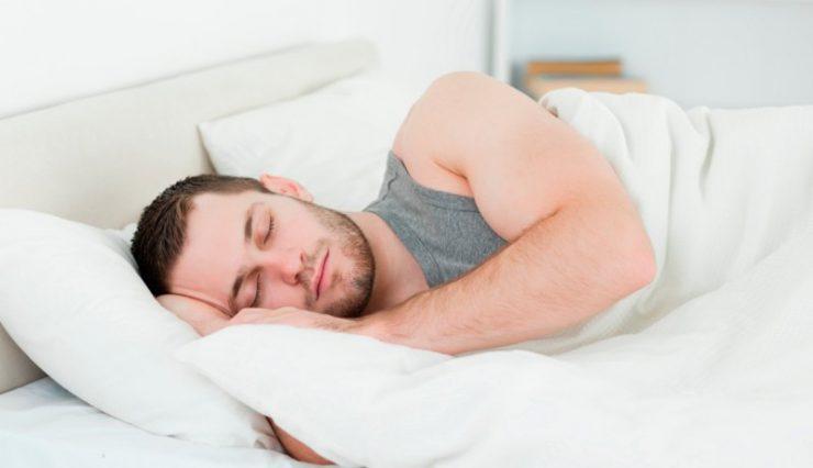 Поздний отход ко сну ученые связали с психическими расстройствами