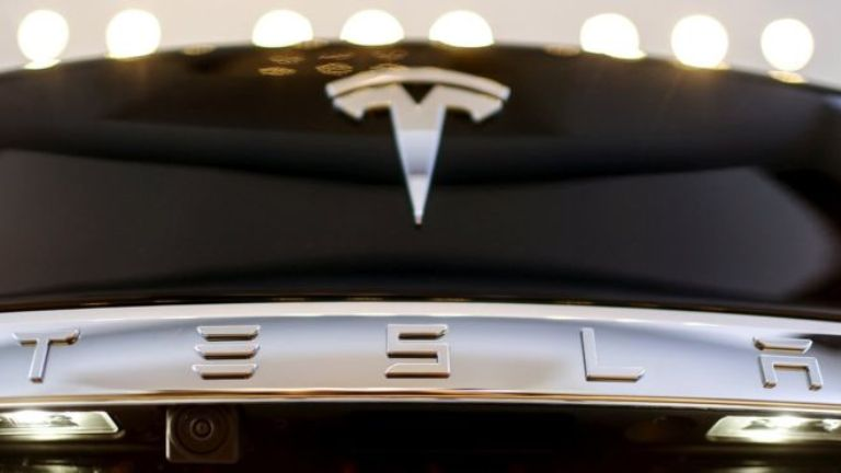 Tesla подала миллионый иск против экс-сотрудника за кражу данных и саботаж