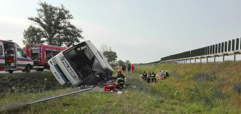 В Польше автобус с туристами попал в ДТП: есть погибшие
