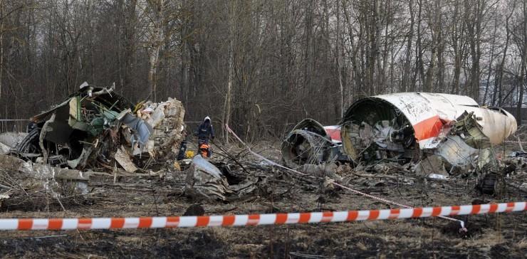 Польская комиссия нашла следы взрывчатки на обломках разбитого под Смоленском самолета